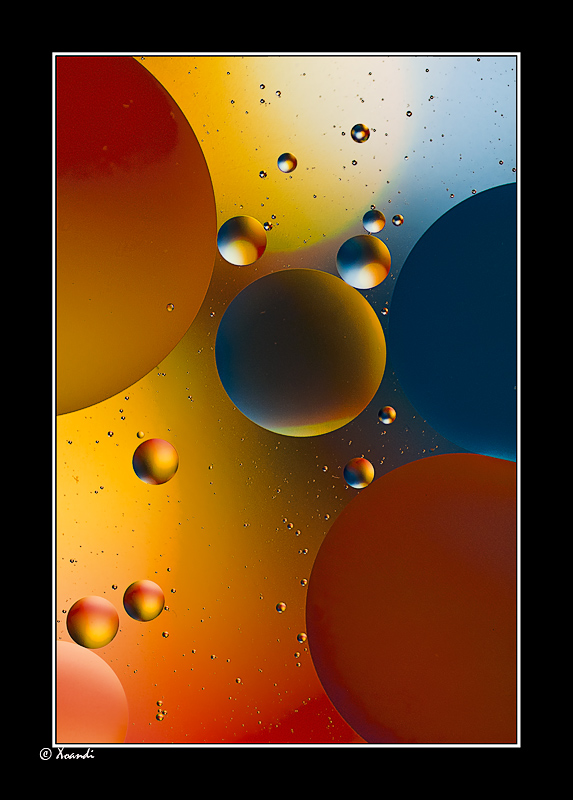 Colours of oil and water