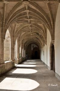 Pasillo lateral del claustro