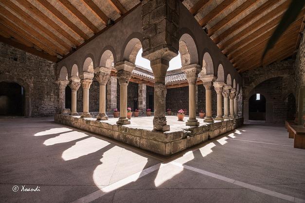 Monestir-Sant-Pere-Casserres-(claustro)